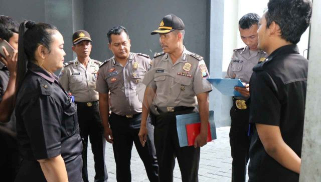 Berita Garda Bhakti Nusantara - Langgar Aturan, Polda Jatim Tertibkan 70 Satpam Empat Perusahaan di Surabaya dan Gresik